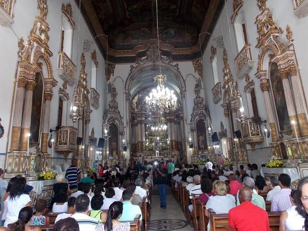 Missa na igreja de Nosso Senhor do Bonfim (Foto: Ruan Melo/ G1)