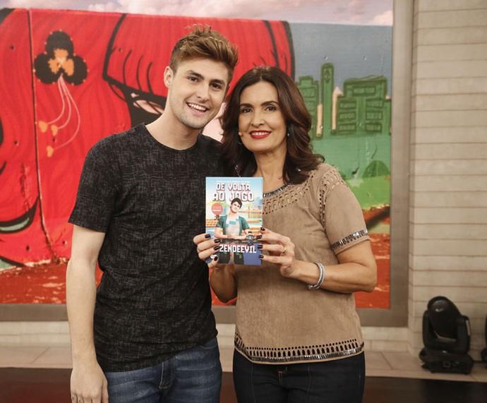 RezendeEvil com a Fátima nos bastidores do 'Encontro' (Foto: Raphael Dias/Gshow)