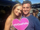 Luciano Huck e Angélica gravam em clima romântico nas ruas do Rio