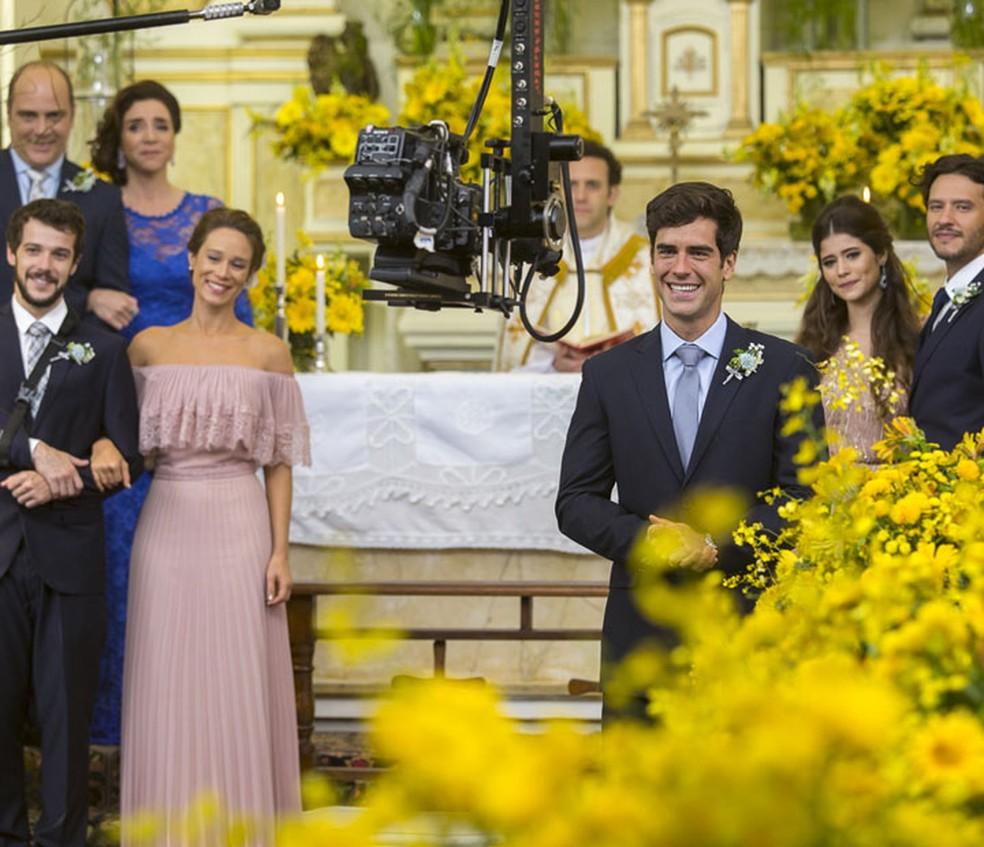 Ator se emociona ao gravar casamento de Shirlipe (Foto: Artur Meninea/Gshow)