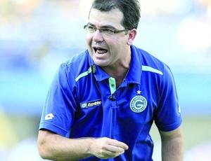 Enderson Moreira, técnico do Goiás (Foto: Renato Conde/O Popular)