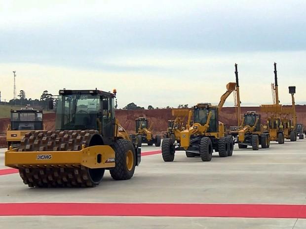 Multinacional XCMG produz máquinas pesadas para a construção civil em Pouso Alegre (Foto: Claudemir Camilo / EPTV)