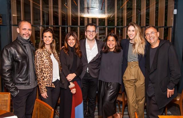 Da esquerda para a direita: Ricardo Cruz, Giuliana Sesso, Taissa Buescu, Mike Krieger, Daniela Falcão, Paula Merlo e Paulo Borges (Foto: David Mazzo)