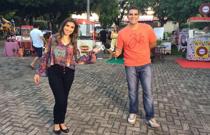 Simone e Helder apresentam o Programão da Praça Vilmary (Foto: Gshow/ Rede Clube)