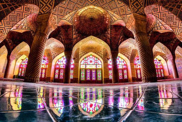 Outro ângulo da mesquita de Nasir al Mulk, a 'mesquita cor-de-rosa' (Foto: Mohammad Reza Domiri Ganji/Arquivo pessoal)