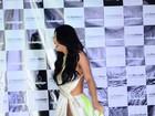 Sem calcinha, Rebeka Francys mostra demais em desfile do Miss Bumbum