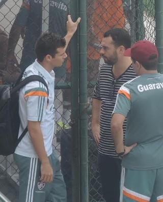 Wagner conversa com Enderson Moreira e Mário Bittencourt (Foto: Fred Huber/GloboEsporte.com)