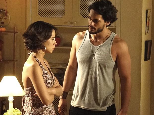 Josué enfrenta Valéria depois de barraco com Melissa (Foto: Amor Eterno Amor/TV Globo)