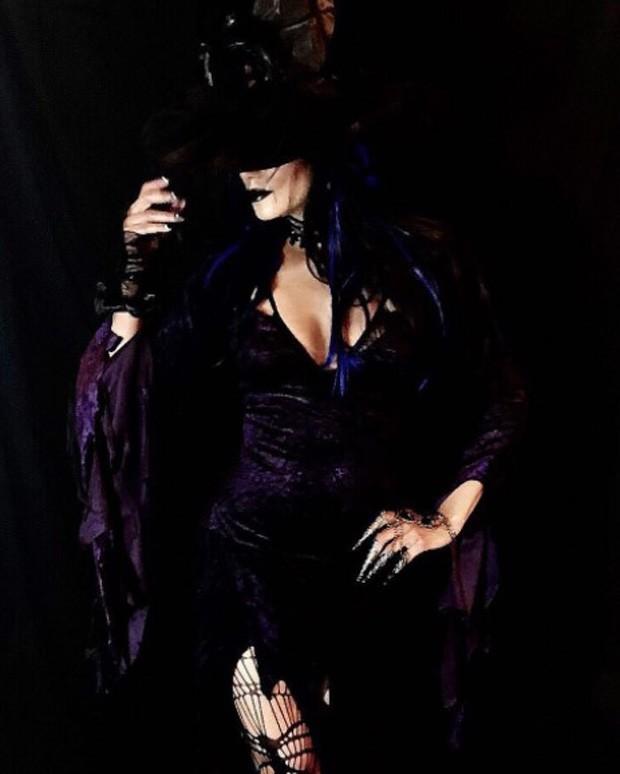 Halle Berry fantasiada para Halloween (Foto: Reprodução/Instagram)