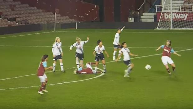BLOG: Dia das Mulheres? Atleta do Tottenham dá pisão na cabeça de rival na Inglaterra