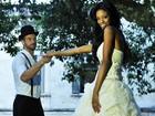 Cinderela moderna! Viviane Porto posa para ensaio com marido italiano