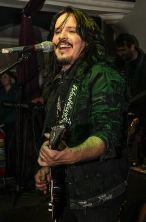 Luciano Nassyn no palco (Foto: Luciano Santos / Talentmix)