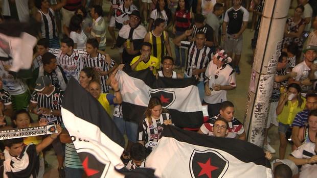 torcida do botafogo-pb, botafogo-pb, festa do botafogo-pb, (Foto: Reprodução / TV Cabo Branco)
