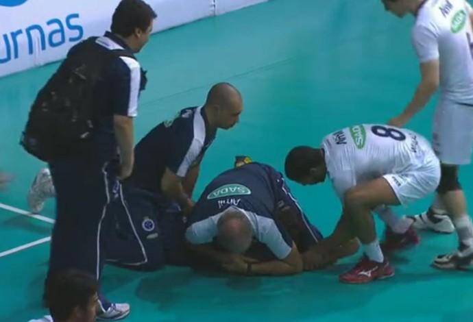 FRAME - Gravata Marcelo Mendez Rio Cruzeiro Superliga (Foto: Reprodução SporTV)