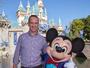 Seguindo tradição, Peyton Manning celebra título em parque da Disney