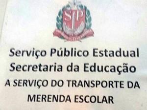 Caminhão era disfarçado como frota que entrega merendas em SP (Foto: Polícia Rodoviária Federal / Divulgação)