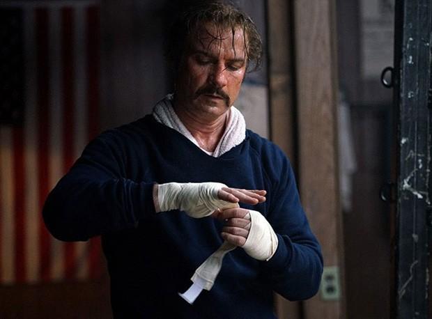 Liev Schreiber como o lutador Chuck Wepner (Foto: Reprodução)