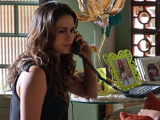 Morena faz uma denúncia contra Wanda (Foto: Salve Jorge/TV Globo)