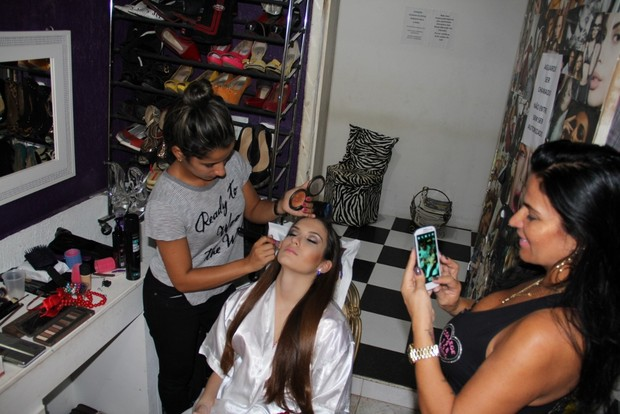 Stephanie Gomes e Solange Gomes em sessão de fotos no Rio (Foto: Estúdio Book Fashion /Divulgação)