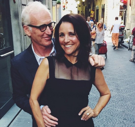 Julia Louis-Dreyfus e Brad Hall (Foto: Instagram)