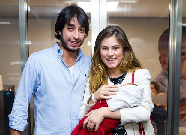 Bruna Hamú com o noivo, Moregola e o filho, Julio (Foto: Manuela Scarpa e MarcosRibas/Brazil News)