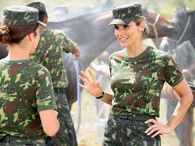 Érica está cheia de esperanças de voltar para Théo (Foto: Salve Jorge/TV Globo)