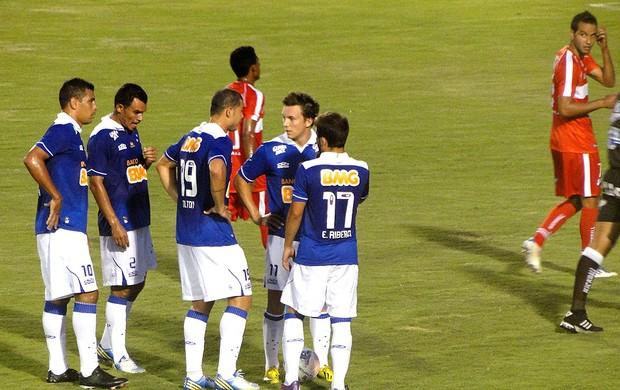 jogo entre Cruzeiro e Guarani-MG (Foto: Tarciso Badaró)