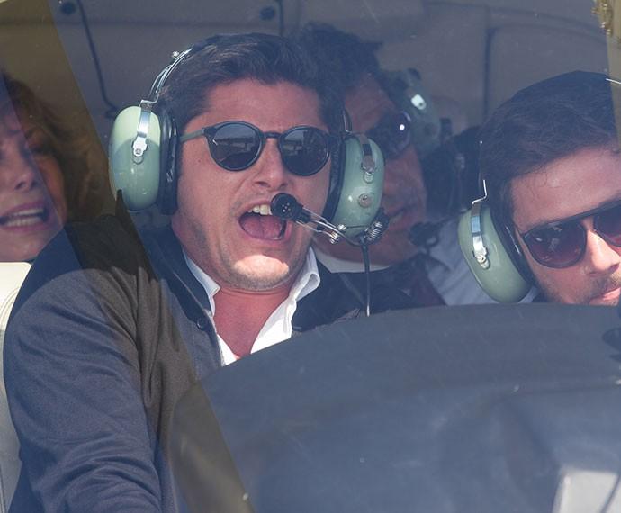 Guto causa acidente em helicóptero com Consuelo, Pedro e Aderbal (Foto: Fabiano Battaglin/Gshow)