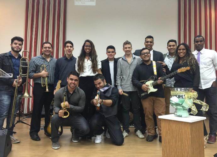 Banda DZ7 tem 14 integrantes (Foto: DZ7/ Arquivo Pessoal)