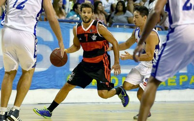 Nicolás Laprovittola basquete Flamengo e Macaé NBB (Foto: Luiz Pires / LNB)