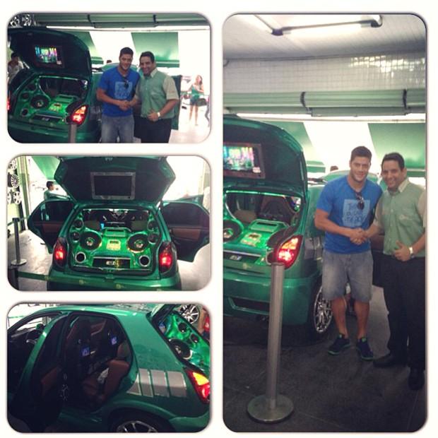 Hulk e seu carro (Foto: Reprodução / Instagram)