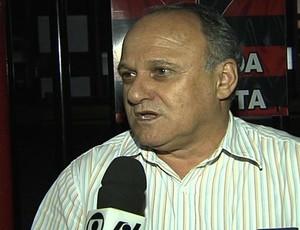 Valdivino de Oliveira cobra mais determinação do Atlético-GO (Foto: Reprodução/TV Anhanguera)