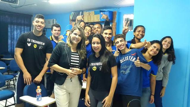Nina Barbosa fala sobre sua profissão para alunos do Ensino Médio (Foto: Arquivo Pessoal)