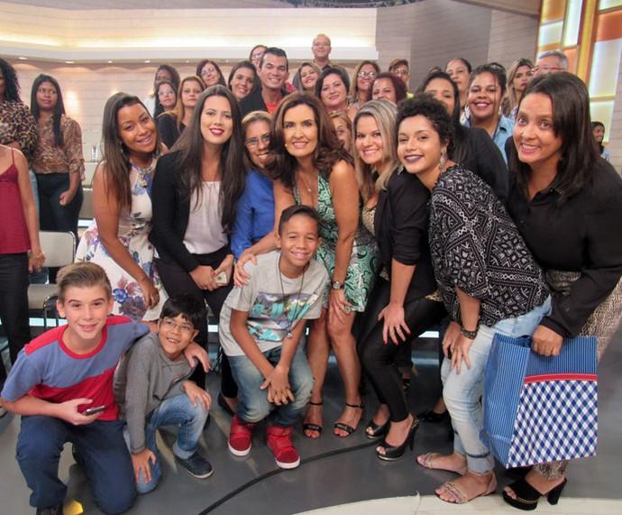 Mais plateia com a apresentadora  (Foto: Priscilla Massena/Gshow)