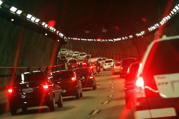 São Paulo, Brasil – Com uma frota de sete milhões de carros, a cidade registrou  295 km de trânsito em junho deste ano.  (Foto: Reprodução)