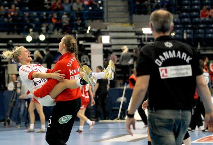 Dinamarca comemoração handebol Mundial (Foto: AP)