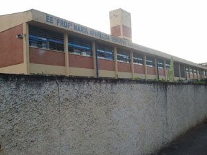 Escola no Jardim das Indústrias, onde a jovem Amanda estuda (Foto: Suellen Fernandes/G1)
