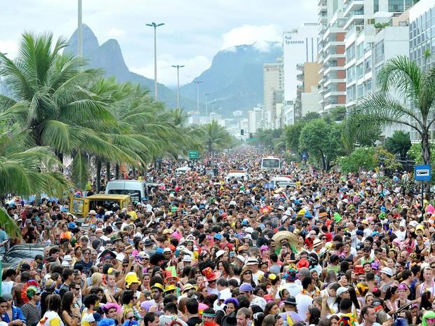 Simpatia é quase amor, um dos mais tradicionais blocos do Rio, estima 20 mil foliões em seu desfile (Foto: Paulo Mumia/ Riotur/ Divulgação)