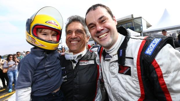Família Ribas unida na Copa Porsche (Foto: Luca Bassani / Divulgação)