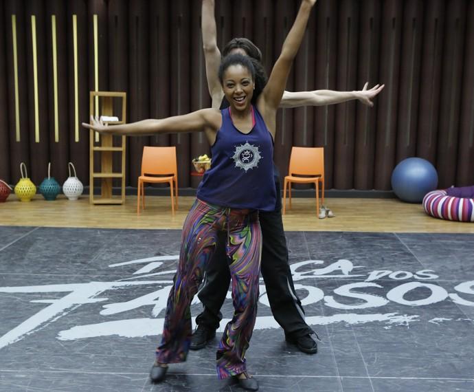 Negra Li se diverte durante treino (Foto: Fábio Rocha / Gshow)