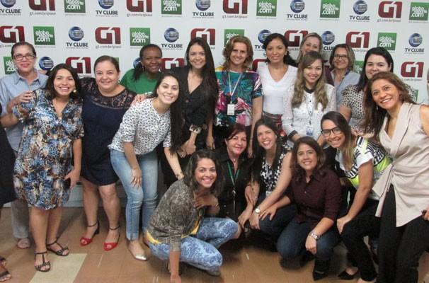 Funcionárias da TV Clube comemoram o dia internacional da mulher. (Foto: André Santos/TV Clube)