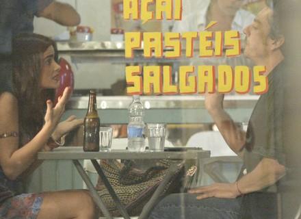 Tóia e Romero são flagrados em encontro secreto