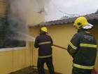 Casa pega fogo no bairro Vila Resende, em Três Corações, MG