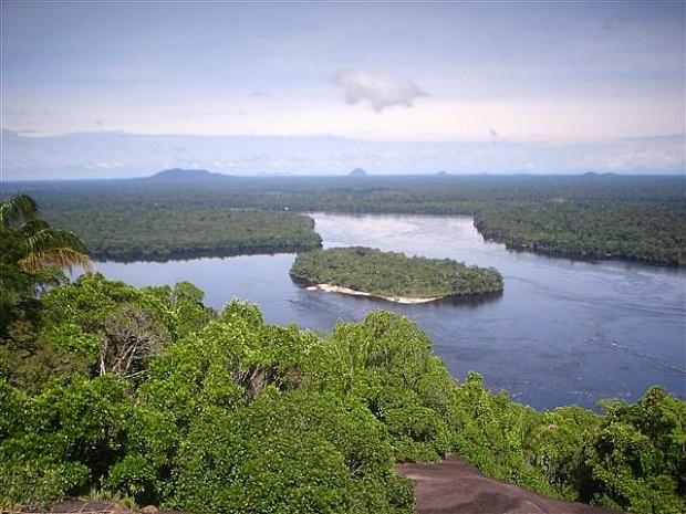 Serra do Jacamim, interior do Amazonas (Foto: Regis Goes/TV Amazonas)