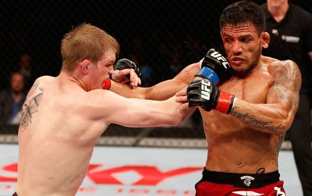 UFC  Rafael dos Anjos e Evan Dunham (Foto: Agência Getty Images)