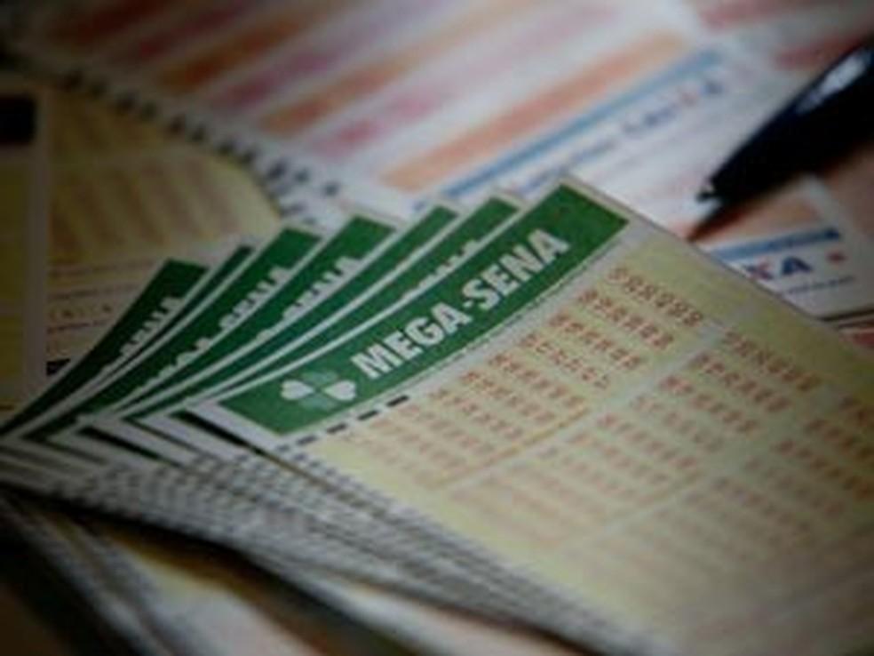 Mega-Sena pode pagar prêmio de R$ 6 milhões nesta quarta (Foto: Raul Zito/G1)