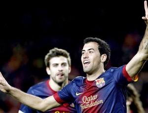 Sergio busquets comemora segundo gol do Barcelona contra o Atlético de Madrid (Foto: Agência EFE)
