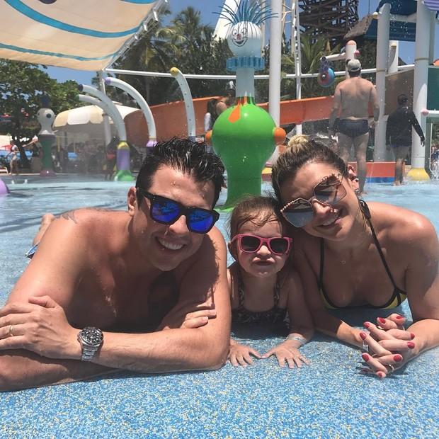Wellington Muniz, Valentina e Mirella Santos (Foto: Reprodução/ Instagram)