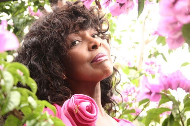 Corpo da cantora vai ser enterrado nesta terça-feira — Carmen Silva