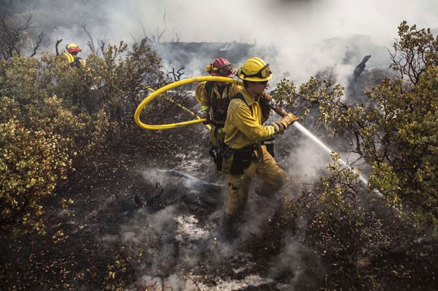 Incêndio ameaça abastecimento de água em San Francisco, nos EUA (Foto: Max Whittaker/Reuters )